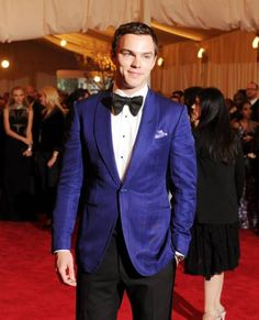 Nicolas Hoult you sexy man.
