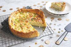 Hartige taart met gerookte paling Tostadas, Crema Fresca, Quiche Lorraine, Quiches, Breakfast, Food, Winter, Pasta With Tuna, Pasta Salad