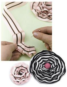We love Crafts: Flores con cintas