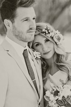 sweet wedding photo ideas with groom