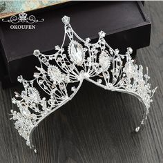 Baroque Big Tiaras Luxury Diamond Rhinestone Crowns Headpieces For Pageant Quinc. Baroque Big Tiaras Luxury Diamond Rhinestone Crowns Headpieces For Pageant Quinceanera 2018 Princess Hair Jewelry Bridal Flowers Cute Jewelry, Hair Jewelry, Wedding Jewelry, Jewelry Art, Jewlery, Silver Jewelry, Bijou Brigitte, Princess Hairstyles, Bridal Crown