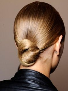 Try this super chic smooth knot for a quick fix up do #hairup #chic #hairbun #sleek