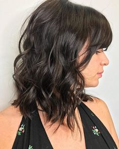 Get ready to 'wow' the world with these spectacular angled bob hairstyles. Get the tips, tricks & guidance needed for a guaranteed fabulous angled bob! Bob Haircut With Bangs, Bob Hairstyles For Fine Hair, Lob Haircut, Haircut For Thick Hair, Long Hair Cuts, Hairstyles Haircuts, Long Hair Styles, Hairdos, Short Hair