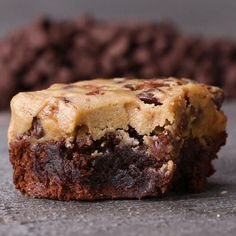 Need smaller pan or 2 batches of brownies to have a better final ration. Cookie Dough Boxed Brownies Recipe by Tasty Boxed Brownie Recipes, Brownie Toppings, Cookie Dough Recipes, Edible Cookie Dough, Mini Desserts, Delicious Desserts, Dessert Recipes, Cookie Dough Desserts, Dessert Bars