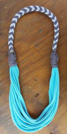 Fabric Necklace                                                                                                                                                                                 Más