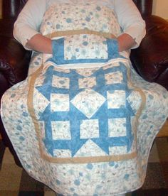 ~cute idea! lap quilt with a muff built in!~