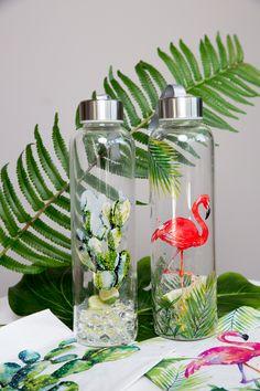 Cactus Glass Bottle 550 ml + Tropical Flamingo Glass Bottle 550 ml  #ppd #paperproductsdesign #glassbottle #glasflasche #trinkflasche #drink #drinkwater #water #2go #togo #travel #reisen #tropical #tropisch #flamingo #cactus #kaktus #fruits #früchte #obst #waterbottle #bottle #healthy #gesund #sport #forsports