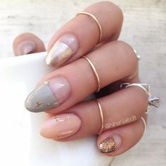 Time for a soft, wintery mani ✨ I used (rose gold pointer), (gray middle), (peachy ring), and (rose gold glitter pinky) polishes. Nail Design Stiletto, Nail Design Glitter, Gold Acrylic Nails, Rose Gold Nails, Winter Nail Art, Winter Nails, Pastel Nail Art, Cute Simple Nails, American Nails