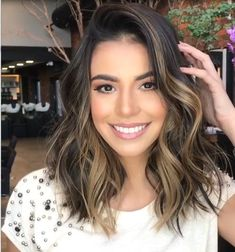 Are you going to balayage hair for the first time and know nothing about this technique? We've gathered everything you need to know about balayage, check! Ombre Blond, Ombre Hair Color, Brown Hair Colors, Short Ombre, Hair Colours, Brown Hair Balayage, Hair Highlights, Caramel Highlights, Light Brown Hair