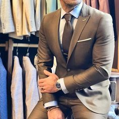 Ideas For Wedding Suits Men Brown Outfit Best Suits For Men, Cool Suits, Brown Suits For Men, Suit For Men, Cheap Suits, Mode Masculine, Mens Fashion Suits, Mens Suits, Mens Casual Suits