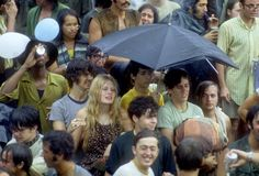 "Woodstock Festival by Elliott Landy, August 1969 (From Old Pics Archive ""Woodstock pics)"" 1969 Woodstock, Woodstock Festival, Woodstock Hippies, Woodstock Music, Hippie Party, Grace Slick, Creedence Clearwater Revival, Joe Cocker, Janis Joplin"