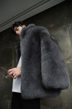 Men's Fox fur coat, crafted of premium Fox fur. Luxurious, ultra soft and thick fur. Fur Coat Outfit, Fox Fur Coat, Fur Coats, Mens Fur, Good Looking Men, Mens Fashion, Instagram, How To Wear, 25th Birthday