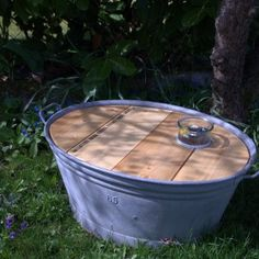 Aus einer alten Zinkwanne wird ein pfiffiger Gartentisch