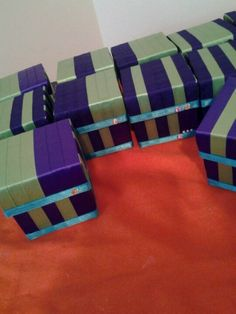 Favor Boxes, each box has a different pattern