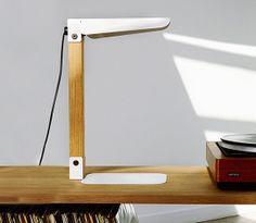 Lámpara Merlin Lamp - UNIVERSO POSITIVO :: Moises Showroom