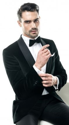 This jacket is from the new ceremony collection by FILIP CEZAR, single breast with one button, made from a outstanding Velvet with white inserts. Slim Fit Tuxedo, Tuxedo For Men, Black Tuxedo Jacket, Black Tie, Tuxedo Jackets, Party Wear Blazers, Christmas Party Wear, Velvet Smoking Jacket, Dinner Jacket