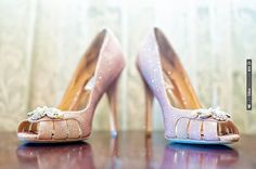 purple Badgley Mischka shoes | CHECK OUT MORE IDEAS AT WEDDINGPINS.NET | #weddingshoes