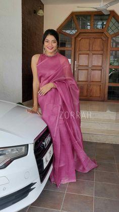 Saree Blouse Patterns, Saree Blouse Designs, Indian Designer Outfits, Indian Outfits, Fancy Tops, Saree Photoshoot, Saree Trends, Saree Models