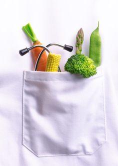 Sabias que los medicos del futuro trataran las enfermedades con alimentos? No hay nada mas saludable que un buen tratamiento a base de nutrientes..Por ello es tan importante encontrar a un nutricionista que te ayude con tus dietas y se haga responable de tu salud.  http://noticias.unab.cl/facultades/facultad-de-medicina-facultades/importancia-del-nutricionista-en-un-pais-con-alto-indice-de-obesidad-y-sobrepeso/ http://www.docplanner.cl/nutricionista