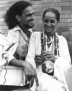 praquemedeboanoite:   Caetano Veloso e Maria Bethânia...