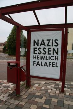Ihre Themen drehen sich um Flüchtlingspolitik in Deutschland und Europa.