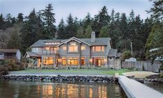 Mercer Island, Washington Waterfront home