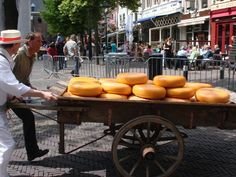 Alkmaar Cheese Market | Teach Through Educational Travel | WorldStrides International Discovery programs