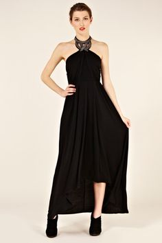 This magnificent maxi comes complete with its own statement necklace. A dark beauty of a bargain. Via Oasis Fashion