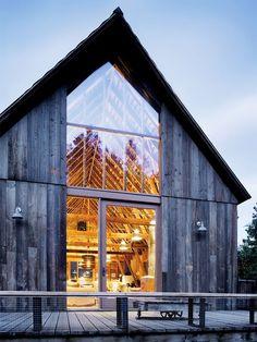 Fachada de uma casa na montanha