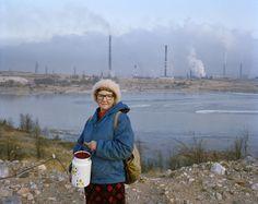 Esko Mannikko + Pekka Turunen – Untitled -Granny w lingoberries – Serie Pemoht – Courtsey of the artist – ©Nordenhake Gallery – My Art Agenda