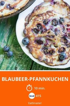 Blaubeer-Pfannkuchen - smarter - Kalorien: 415 Kcal - Zeit: 10 Min. | eatsmarter.de