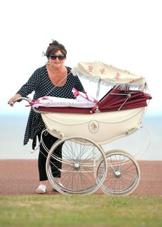 I wanted this one but instead my Mum bought me a Churchill coach built one it was nice too but I loved the one I didn't get. Vintage Stroller, Vintage Pram, Silver Cross Prams, Baby Trolley, Prams And Pushchairs, Diaper Pail, Baby Buggy, Dolls Prams, Pram Stroller