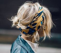 Hairstyle | Bandana | Streetstyle | Yellow | Summer trend | More on Fashionchick.nl