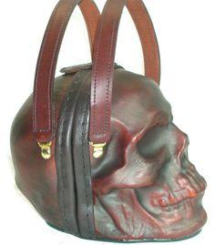 skull-purse-3.jpg I kid you not.