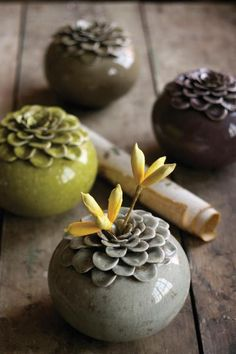 I love these for all of the single flowers (and weeds) the… Blooming bud vase. I love these for all of the single flowers (and weeds) the… Ceramic Clay, Ceramic Vase, Ceramic Pottery, Pottery Art, Ceramics Projects, Clay Projects, Cerámica Ideas, Decor Ideas, Sculptures Céramiques
