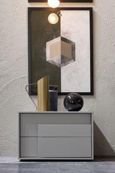 Overlap Nachttisch mit 2 Schubladen in grau matt aus Italien von Novamobili  #nightstand #italy #interiror