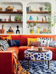 Interior Designer Justina Blakeney Shows The World How To Live In Color - Essence Living Room Interior, Room Decor Bedroom, Living Room Decor, Colorful Interior Design, Colorful Interiors, Beautiful Interior Design, Living Room Designs, Living Spaces, Living Area