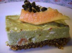 Guacamole  cheesecake  with  shrimp  and  papaya