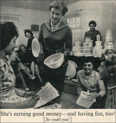 The Story of Brownie Wise, the Ingenious Marketer Behind the Tupperware Party Vintage Advertisements, Vintage Ads, Tupperware Consultant, Tupperware Recipes, Rare Historical Photos, Vintage Tupperware, Vintage Kitchenware, Party Pictures, Kids Corner