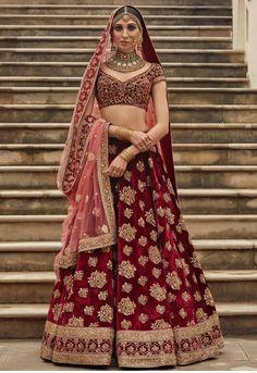 Latest Bridal Lehenga Designs by Sabyasachi - Fashion Foody Designer Bridal Lehenga, Indian Bridal Lehenga, Indian Bridal Outfits, Indian Bridal Wear, Indian Dresses, Bridal Dresses, Bridal Lenghas, Sabyasachi Lehenga Bridal, Bridal Sari
