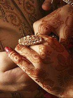 Arabic henna hands