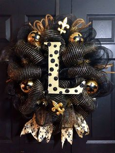 Initial Saints Wreath! Can not wait to make this!