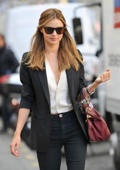 Miranda Kerr Photos - Orlando Blum and Miranda Kerr indulge in some retail therapy whilst in Paris . - Orlando Bloom and Miranda Kerr Shop Estilo Miranda Kerr, Miranda Kerr Street Style, Fashion Mode, Work Fashion, Fashion Outfits, Asos Fashion, Fashion Finder, Fashion Ideas, First Date Outfits