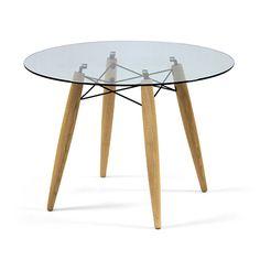 Tisch mit Glasplatte.
