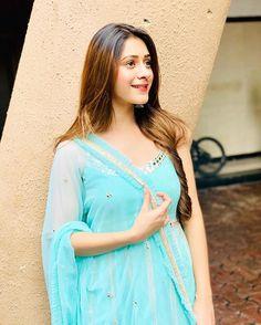 Beauty at Its Best! Hiba Nawab, Deepika Singh, Happy Ganesh Chaturthi, Hottest Pic, Bollywood Celebrities, Cute Photos, Photo Poses, Digital Photography, Photo S