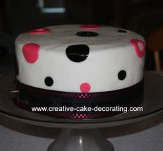 Bachelorette Party Weekend. Hot Pink, Black, and Silver. Hot pink and black bridal shower cake picture