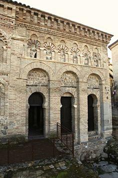 53-arcos-de-entrada-a-la-mezquita-del-Cristo-de-la-Luz-de-Toledo