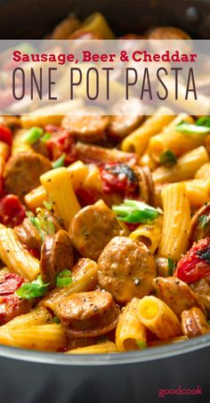 5-Ingredient One Pot Pasta: Sausage Beer and Cheddar Mac. A perfectly easy weeknight dinner or Game Day party dish.