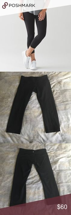 Lululemon Wunder Under III Crop leggings🍋 Very gently used Lululemon leggings. Size 8, black, cropped. Owned less than 6 months but I've lost weight and they no longer fit me. They are super comfortable and great for working out or going around town. no trades ❌ lululemon athletica Pants Leggings