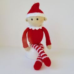 Jingles the Elf Knitting pattern by Amanda Berry Christmas Knitting Patterns, Knitting Patterns Free, Crochet Patterns, Doll Patterns, Free Pattern, Knitted Dolls, Crochet Toys, Arm Knitting, Knitting Needles